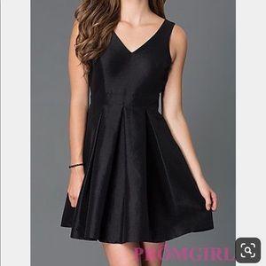 Jessica Simpson Black Short V-Neck Bow Black Dress